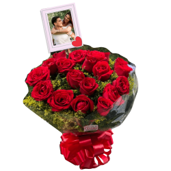 Buquê com 20 rosas personalizado com foto